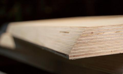 Høyttalerne i ES-serien er alle bygget av solid kryssfiner.