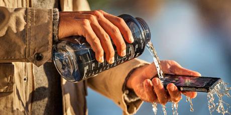 Sony-Xperia-Z-waterbottle