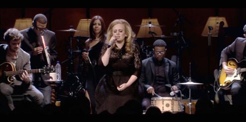 Adele - Live at the Royal Albert Hall er derimot en fabelaktig Blu-ray-utgivelse. Men ikke bruk en stor DSP-klang på den allerede store romklangen.