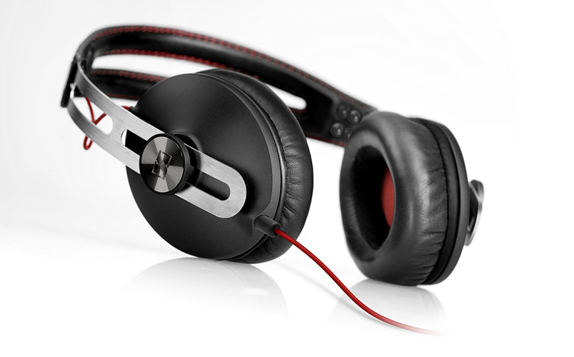 sennheiser-momentum-black-headphones-2