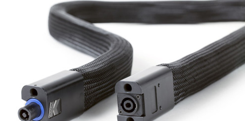 Slangehøyttalerne trenger en forsterker med Speakon-kontakter.