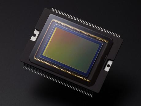 EOS-70D-AMBIENT-CMOS-SENSOR-2