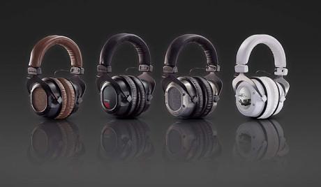 Hodetelefonene kan tilpasses med bøylestrømpe og øreplater i ulike farger.