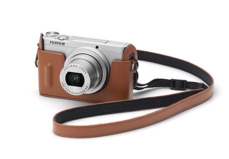 XQ1_and_Brown_Leather_Case