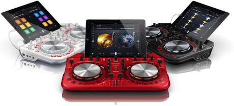 DDJ-WeGO2 lar deg være DJ med din iPhone, iPad eller iPod Touch.