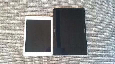 Her vises iPad Air side ved side med Samsung Galaxy NotePRO 12.2. Størrelsesforskjellen er til å ta og føle på!