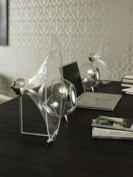 Ferguson Hill har også tidligere laget mindre systemer med hornlyd på skrivebordet.