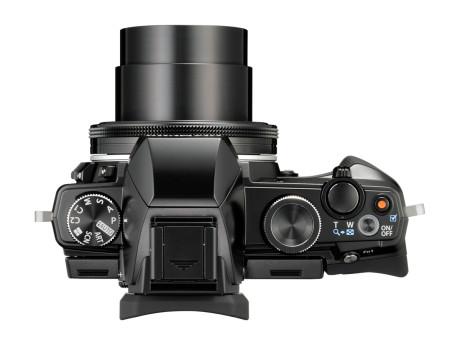Det åpenbare speilreflekskamera-designet, gjør Olympus beste kompaktkamera meget brukervennlig.