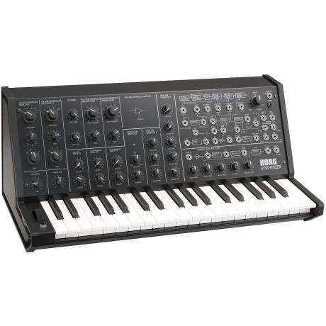 I 2004 vendte legenden tilbage som digital eftergørelse. Og med et styre-keyboard, der var udformet som en miniudgave af MS-20.