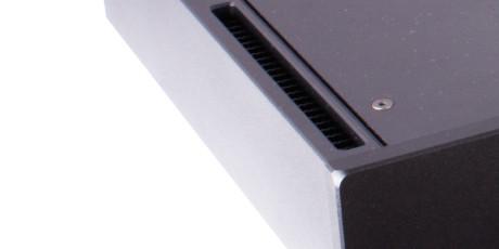 Kjøleribber er nødvendig for å lede varmen ut fra innsiden. På Elicit-R er de elegant skjult på innsiden av sideveggene.