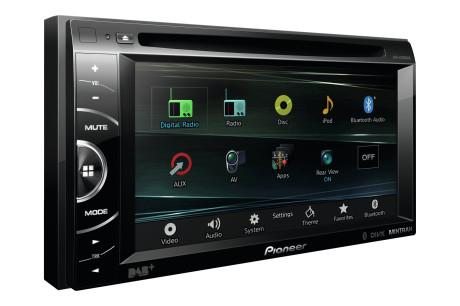 Ønsker du en alt-i-ett-løsning med DAB-radio, kan du med fordel se på Pioneer AVH-X3600DAB. Pris: 3.998 kroner.)