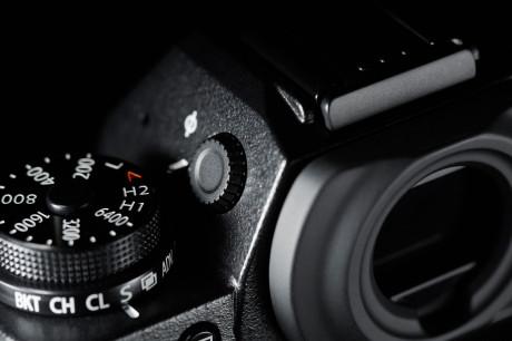 Diopterjustering av den praktfulle OLED-søkeren, til høyre for ISO-hjulet.