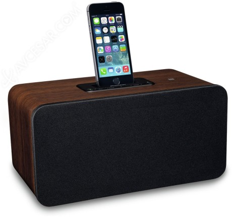Pioneer XW-BTS7 har Lightning-dokk for iPhone 5 og nyere.