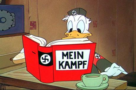 På 1940-tallet produserte Disney krigspropagandafilmer for den amerikanske regjeringen. Her fra Der Führer's Face (1942).