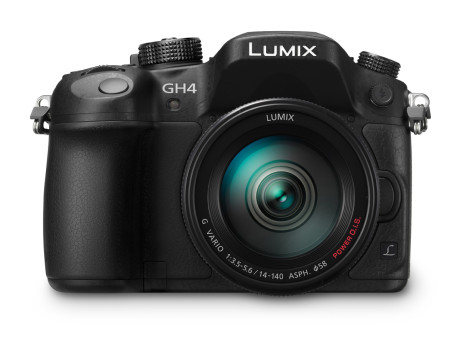 Panasonic-LUMIX-(DMC-GH4)-with-H-FS14140-lens-front