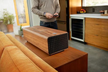 jbl-authentics-wireless-speaker-system-05