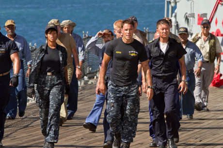 """I filmen """"Battleship"""" ser hele mannskapet ut til å fått i seg et overdrevent inntak av betakaroten."""