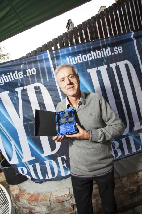 Ingar Holtmon tok imot prisen for årets lydprodukt, Klipsch Stadium. Hipp Hipp!