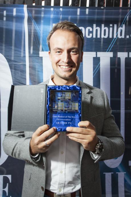 Mest nyskapende: Prisen for årets TV-innovasjon gikk til LG, her representert ved Espen Stensøy.
