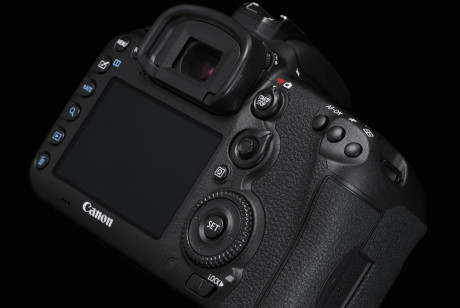 Design-Cut-EOS-7D-Mark-II-5-B-Special[1]
