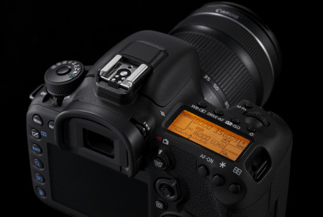 Design-Cut-EOS-7D-Mark-II-6-Special[1]