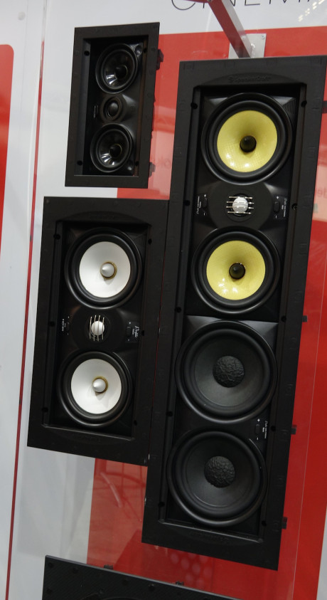 SpeakerCraft er blant de mest kjente konstruktørene av vegginnfelte høyttalere, og var selvsagt på plass.