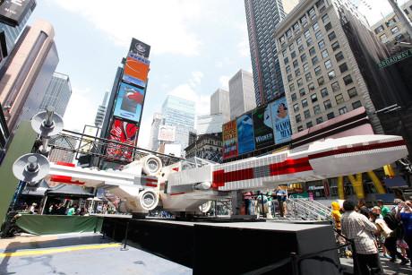 1:1-modellen av Luke Skywalkers X-wing består av 5,3 millioner legoklosser.