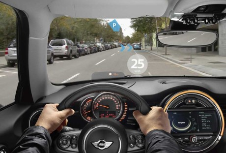 BMW_Mini_Augmented_Vision_2