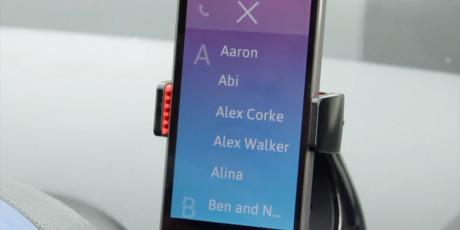 Du kan foreta telefonoppringninger direkte fra appen.