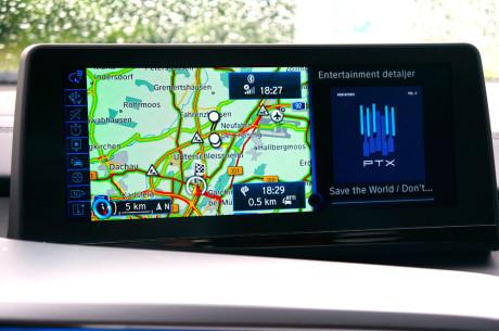 BMWi8_splitscreen