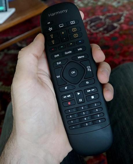 Med Harmony Companion får du en enklere fjernkontroll uten skjerm. Foto: Geir Gråbein Nordby
