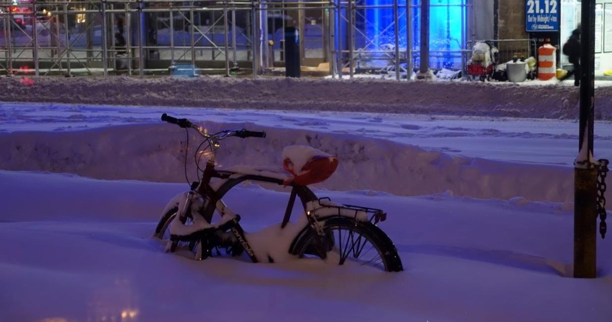 NYC drukner i snø! (Foto: Tor Aavatsmark)