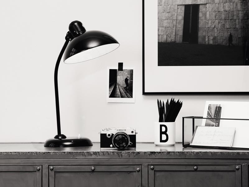 desk escritoire   lamp