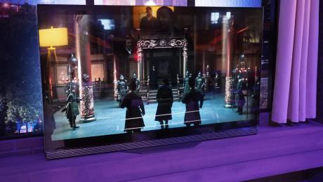 Marco Polo sesong 2 blir en av de første seriene som streames i 4K HDR-kvalitet til kompatible TV-er. Her vist på en LG 2016 OLED TV.  (Foto: Audun Hage)