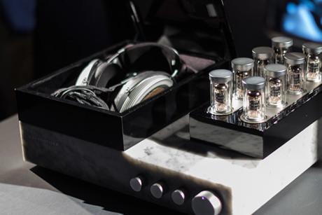 Verdens dyreste hodetelefoner heter Sennheiser Orpheus og koster en halv million kroner! Foto: Sennheiser