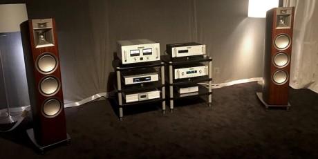 Klipsch Palladium P-38F låter ikke som andre Klipsch-høyttalere. Den feite, varme klangen vi kjenner så godt er erstattet med en hurtighet, snert og en gjennomsiktighet som er få forunt. Er de verdt 120.000 kroner pr. par? Det skulle vi mene. Viser seg fra beste side takket være fantastiske rørforsterkere fra Audio Research, samt en nettverksspiller til 100.000 kroner fra Aurender.