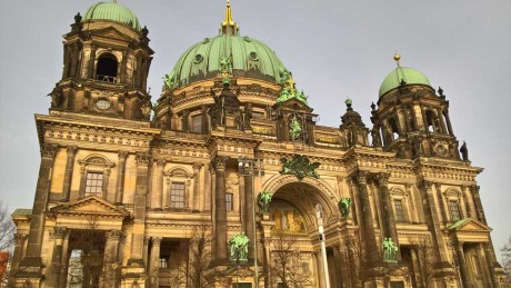 Fotografert med Lumia 650 ser domkirken i Berlin ut som et nikotinplaster.