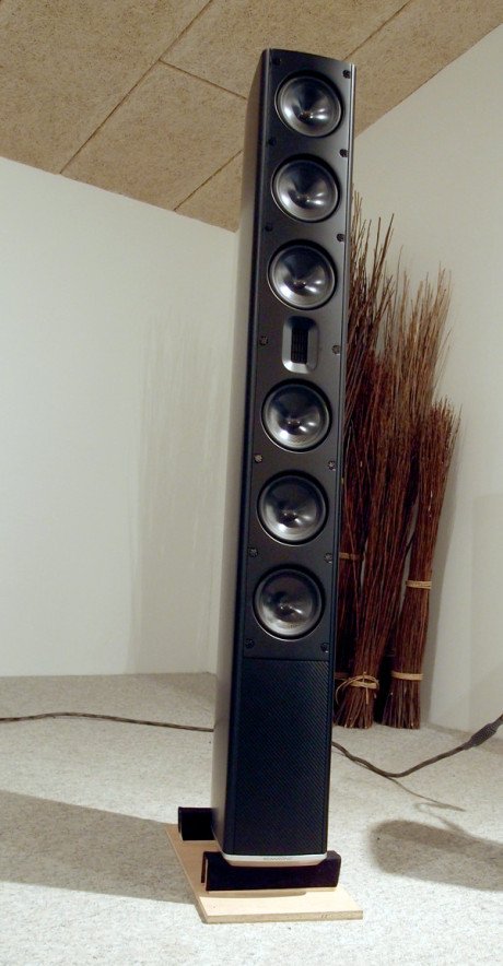 Scansonic MB-6 er en stor høyttaler, med ditto stort lydbilde. Prislappen er heller ingenting å kimse av: 90.000 kroner. Foto: Geir Gråbein Nordby