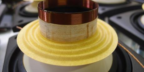 Talespoler i titan er minimalt påvirket av magnetisme og reduserer dermed induktans til forsvinnende lave nivåer. Foto: Geir Gråbein Nordby
