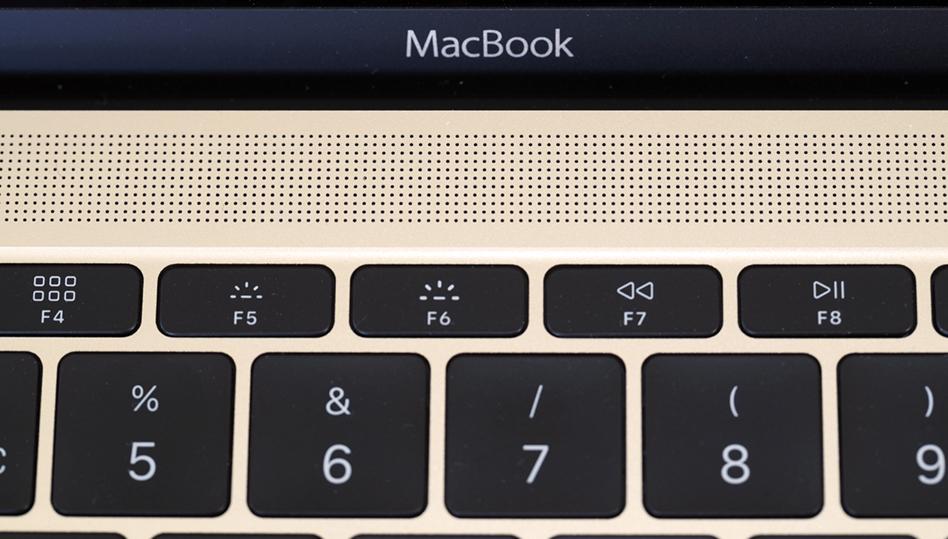 Faktisk er lyden ganske fyldig og fin for en så tynn laptop. GITAL CAMERA