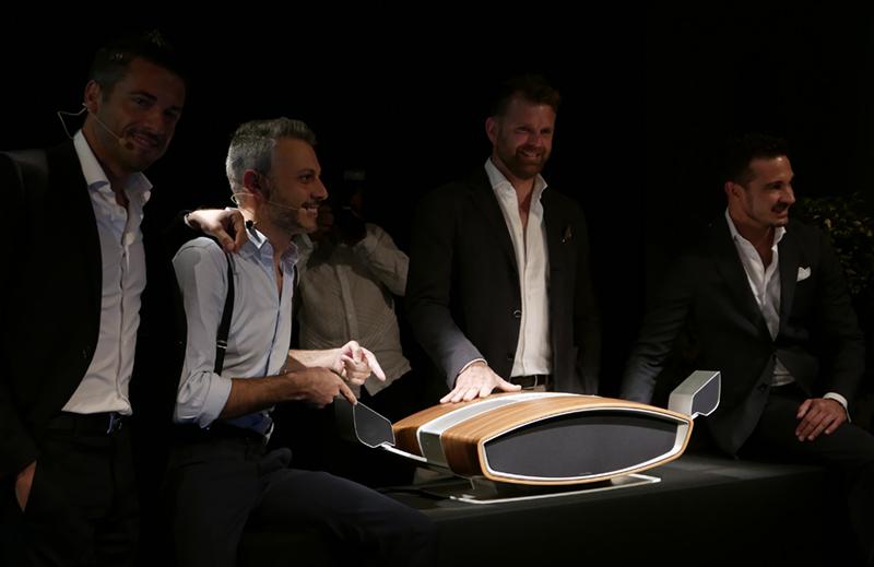 (Foto: Lasse Svendsen) Salgsdirektør Mirko Sanna, designsjef Livio Cucuzza, utviklingssjef Paolo Tezzon, og markedssjef Fiore Capeletto presenterer Sf16.