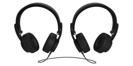 To par hodetelefoner kan kobles sammen for å dele musikken. Foto: Urbanista