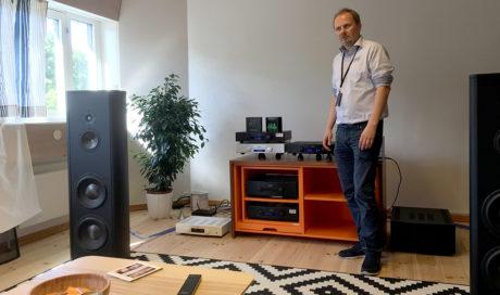 Det er ikke småtteri Hegel bruker å demonstrere på, nemlig de gulvstående Magico S5 til en halv million! Foto: Geir Gråbein Nordby