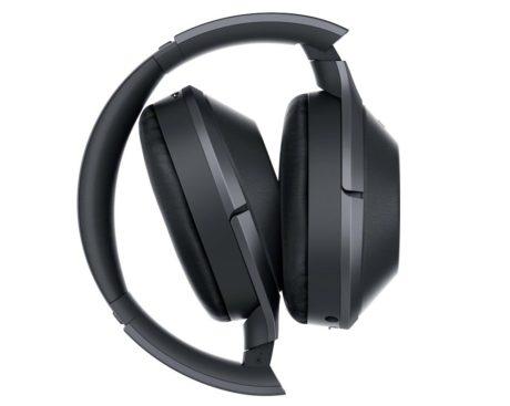 MDR-1000X er like sammenleggbare som de er bærbare. Foto: Sony