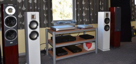 Hos Ljudtema kunne du høre de helt nye Audiovector QR3, drevet av elektronikk fra NuPrime. Foto: Ljudtema