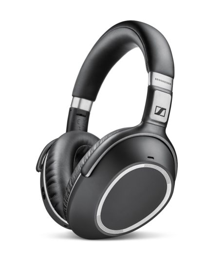 PXC 550 Wireless har et svart og nedtonet utseende. Foto: Sennheiser