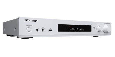 I Norge blir nok DAB-versjonen VSX-S520D mest aktuell, som også kommer i hvitt. Foto: Pioneer