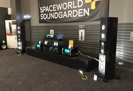 Spaceworld Soundgarden spilte på et heftig system med McIntosh forsterkere og et par gigantiske Monitor Audio PL500 II. Foto: Geir Gråbein Nordby
