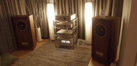 Stereofil spilte på en dyrebar rigg fra Luxman, som drev et par Tannoy Turnberry GR LE. Dynamikk og spilleglede var stikkordet. Foto: Geir Gråbein Nordby