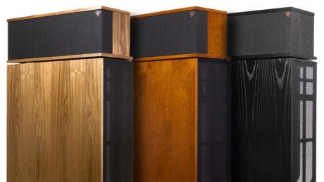 Klipschorn er tilgjengelig i fargene valnøtt, kirsebærtre og svart ask. Foto: Klipsch